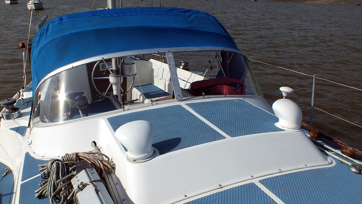 Replacement boat windscreen